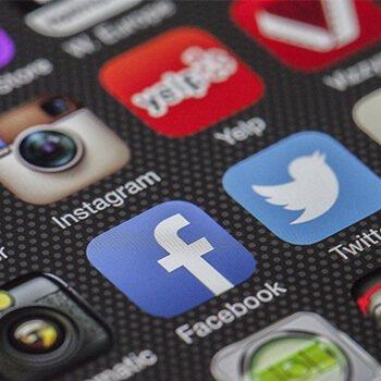 Suivez-moi sur les réseaux Sociaux